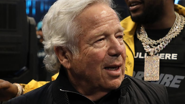 Prosecutors offer to drop solicitation charges against Robert Kraft