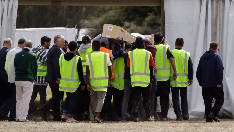 New Zealand Mosque Shooting Photo: Flipboard: Father And Son Who Fled Syria Buried In New