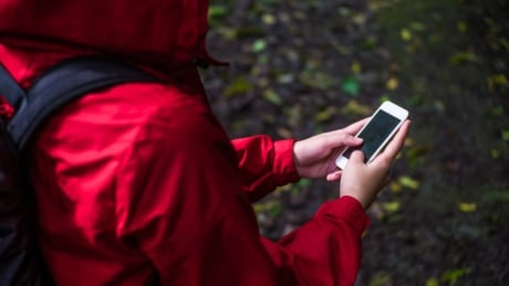 Rings and pings: B.C. village celebrates cell service arrival