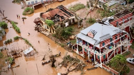 More than 200 dead in Mozambique after cyclone, thousands in need of rescue