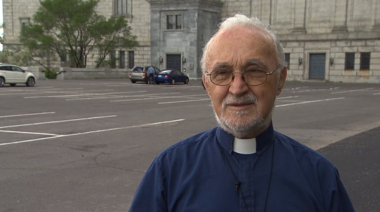 Priest stabbed during morning mass at Montreal's Saint