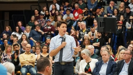 Emotional plea for Indigenous mental heatlh workers at Trudeau's town hall in Thunder Bay