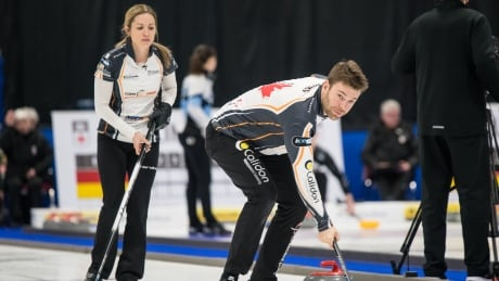 Curling Walker Muyres