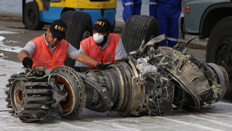 737 Max flight manual may have left MCAS information on 'cutting