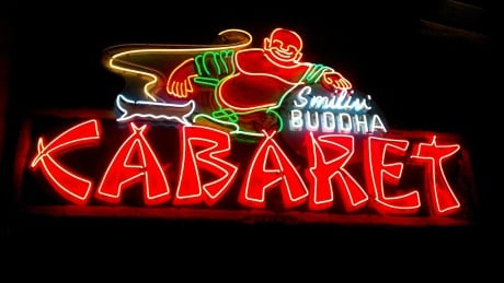Filmmaker revisits 1997 film on Vancouver's fabulous neon sign era