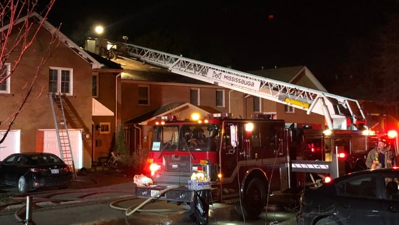 7 homes damaged after Mississauga townhouse fire