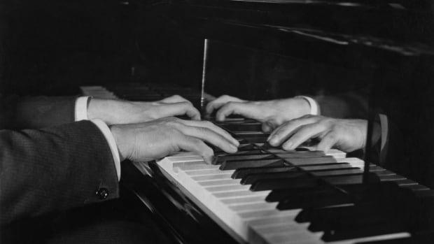 Here are 10 of the weirdest pianos ever built: