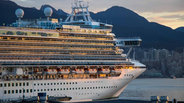 Two Holland America cruise ships rub in Vancouver's harbour, no injuries