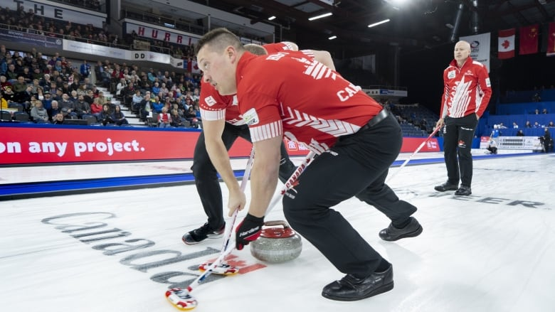 Koe's Canada rink improves to 5-0 at world curling with easy