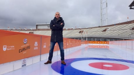 If you're Dutch-Canadian and can curl, this man wants you