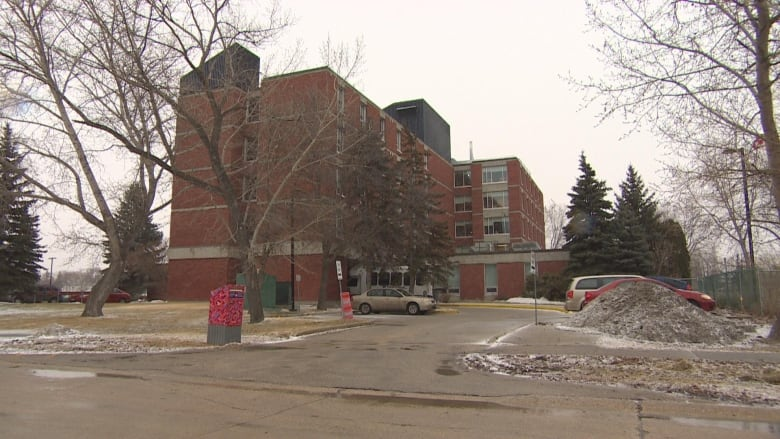 Two dead after salmonella outbreak at Winnipeg personal care home