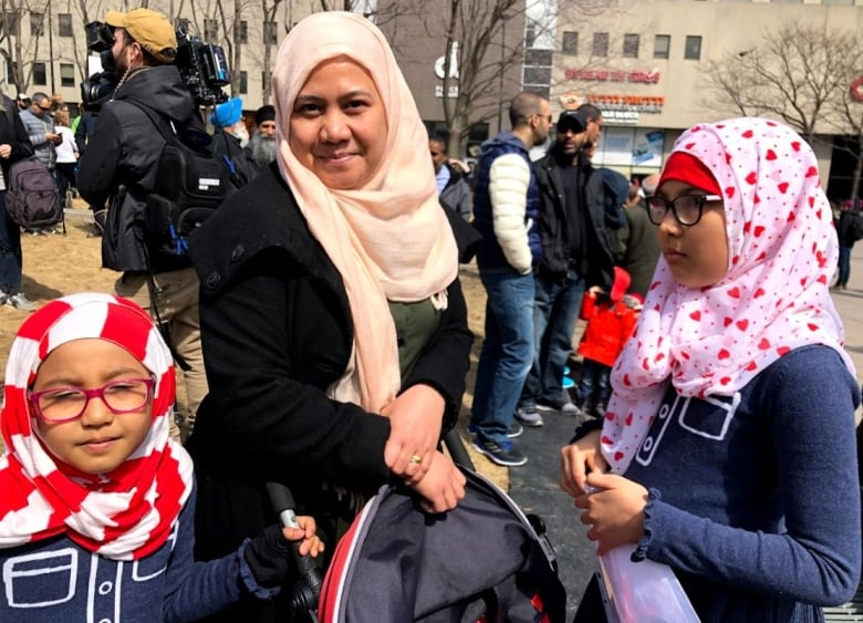 Montrealers take to the streets to protest Quebec's proposed religious symbols ban