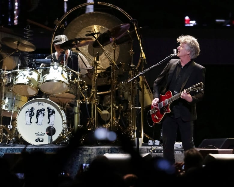 Fleetwood Mac cancels shows, including replacement gig at New Orleans jazz fest