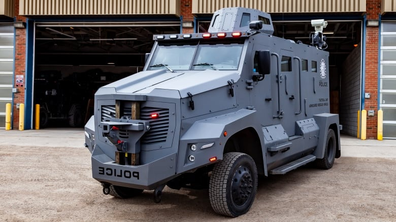 Military Vehicles For Sale Canada >> Calgary Police Unveil New Armoured Vehicle Cbc News