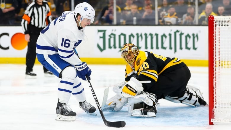 big sale f5996 d71b3 Leafs' Marner scores historic short-handed goal on the ...