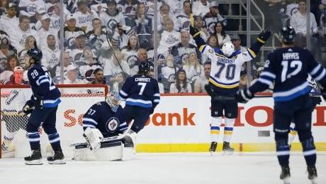 nhl-playoffs-blues-jets-041219-620