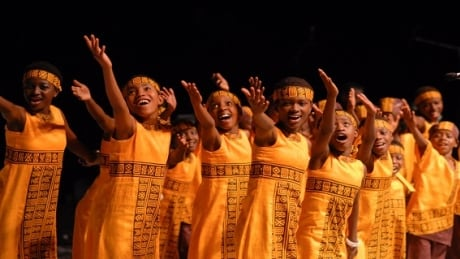 Ugandan children's choir robbed in downtown Vancouver