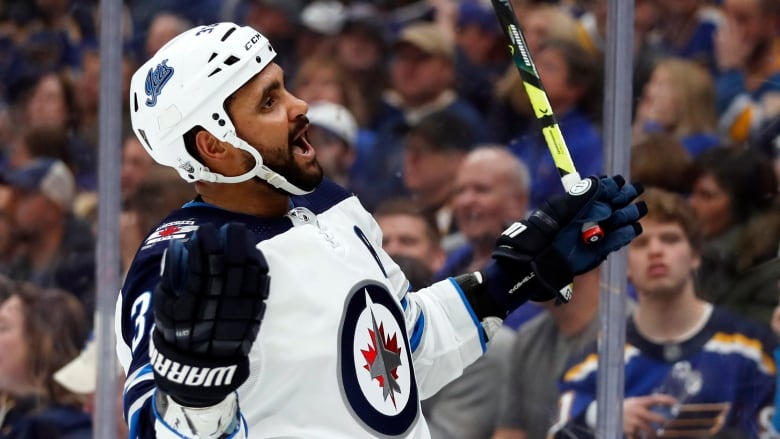1e8213a4 Jets' scoring erupts in bounce-back win over Blues | CBC Sports