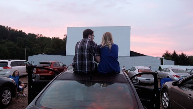 Gatineau drive-in theatre closes after 45 years