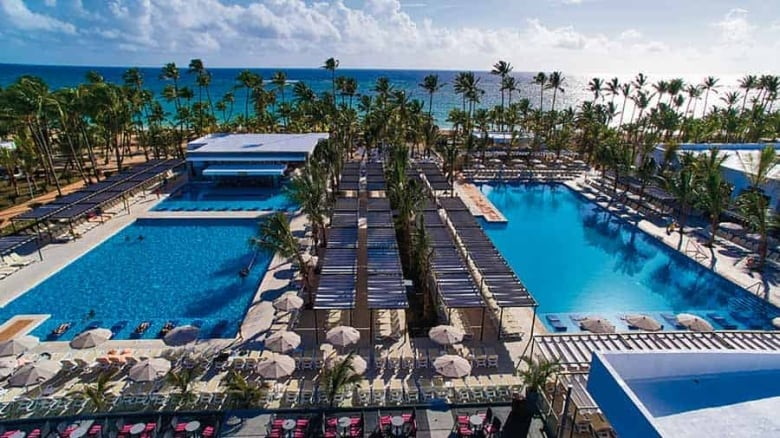 Couple says they were scammed by Dominican casino on resort, bullied into paying $6,500