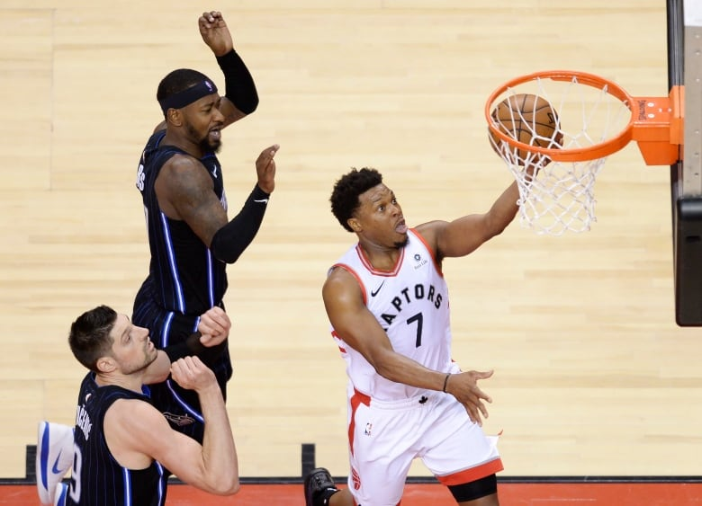 Kawhi has 37 points, Lowry adds 22 as Raptors even series