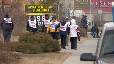 Saskatoon Co-op strike over as workers vote in favour of new deal