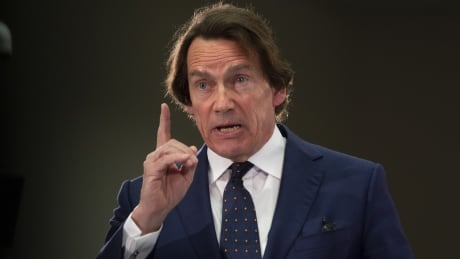 Media baron Pierre Karl Péladeau takes over Montreal taxi companies