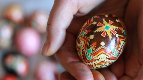 Intricate artworks on an un-eggs-pected canvas