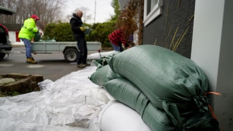 With rain on the horizon, Quebecers told to brace for severe flooding