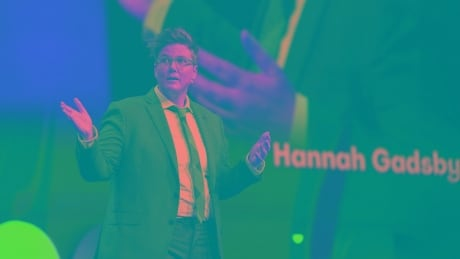 'Serious' comedian Hannah Gadsby discusses hit Netflix show Nanette at 2019 TED conference