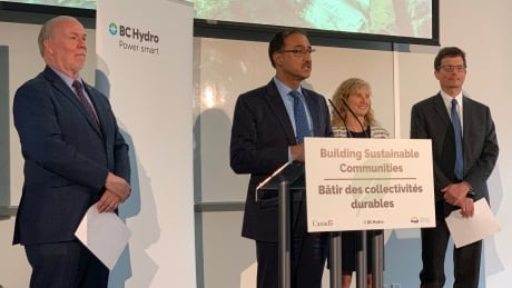 Feds, BC Hydro fund $289 million transmission line expansion in Peace region