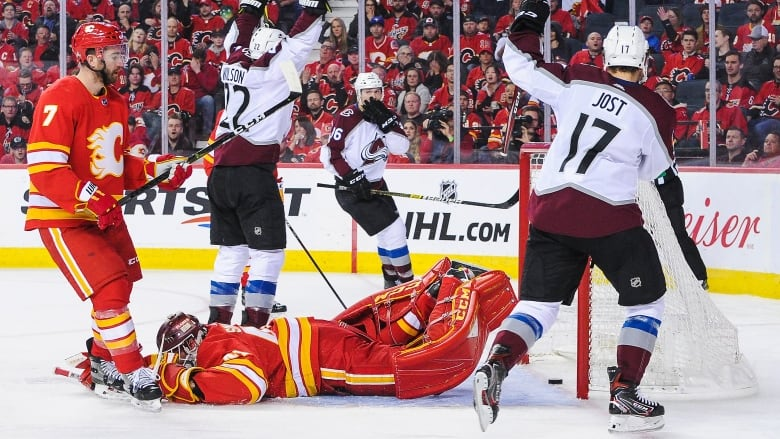 Flame Out Avalanche Knock Off Calgary In Game 5 Cbc Sports