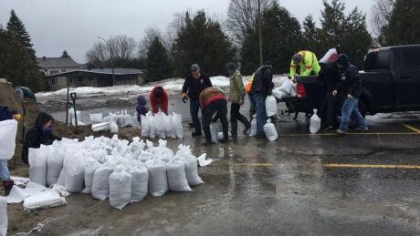 Flood risk currently highest downriver from Ottawa, regulator says