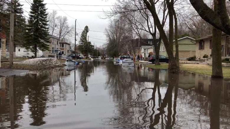 Laval, Île-Bizard and West Island brace for flooding as snow continues to melt