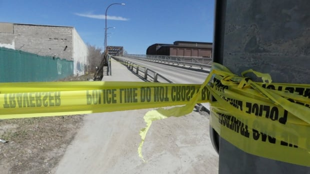 Arlington Street Bridge closed due to road damage