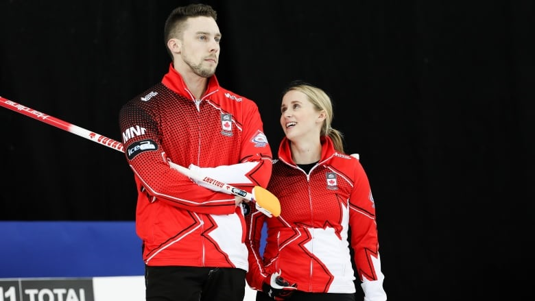Canadians Peterman, Gallant keep rolling at mixed doubles