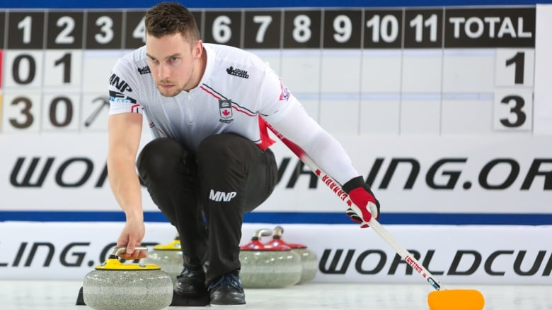 Canada's mixed doubles team stays unbeaten at worlds | CBC Sports
