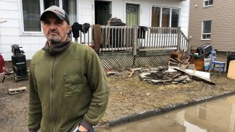 Beyond sandbags: Quebec looks for ways to limit future flood damage