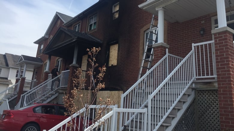 Greenboro fire leaves 5 people temporarily homeless