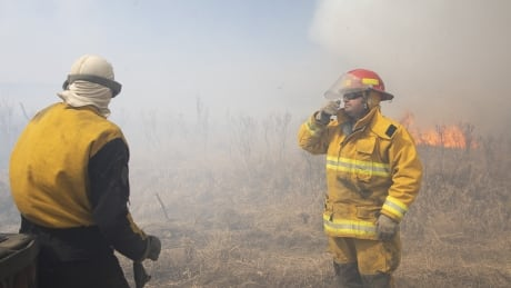 Biggar, Sask. grass fire now controlled by volunteer firefighters