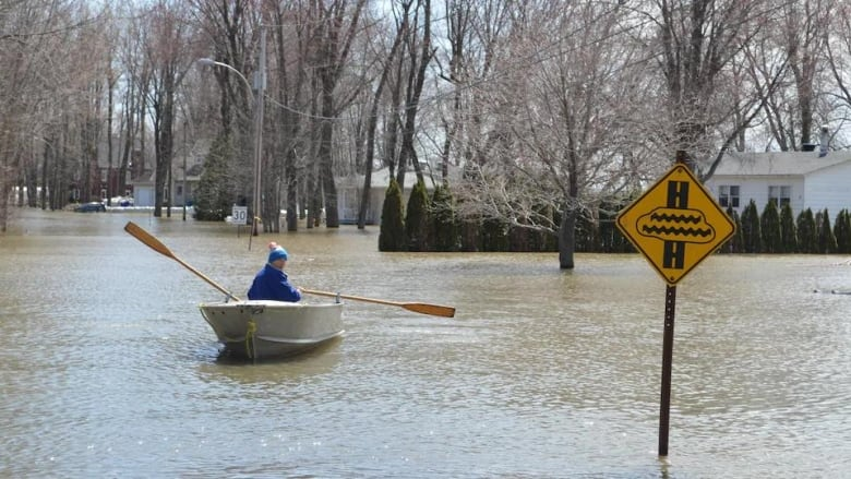 Authorities monitor water levels as rain sweeps across Quebec