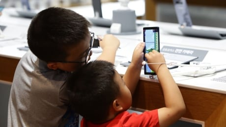WHO recommends one-hour maximum screen time per day for young kids