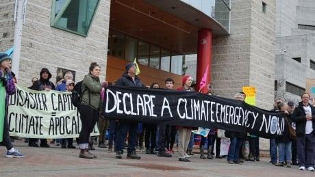 Ottawa declares climate emergency