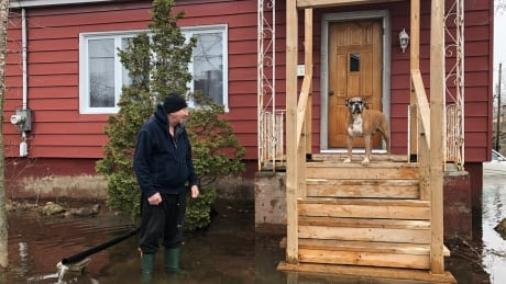 Lachute residents fend off rising water as North River bursts its banks