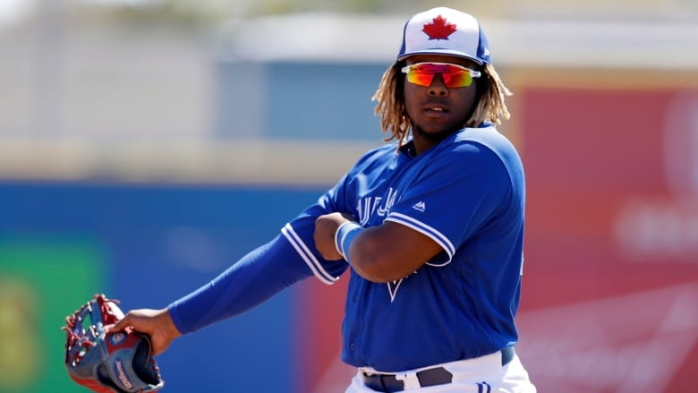 Vladimir Guerrero Jr.'s debut pumps up Blue Jays