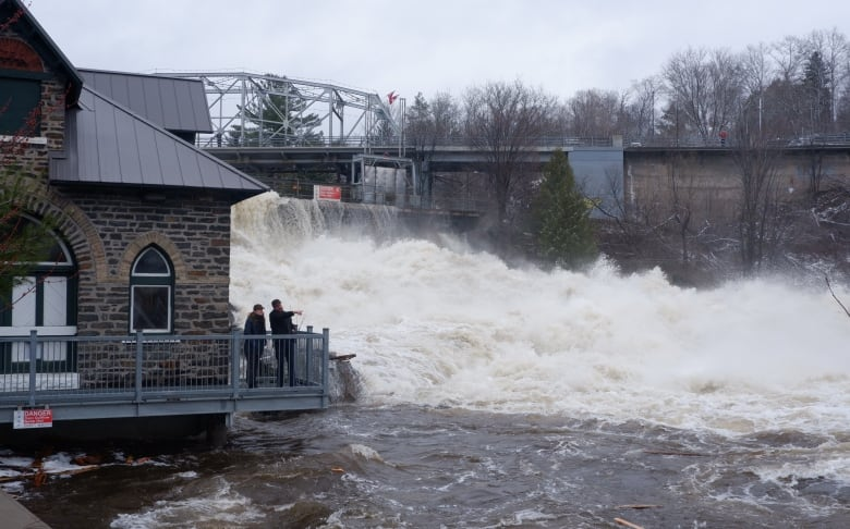 'River is higher, water is flowing faster': Ontario cottage country flooding worsens