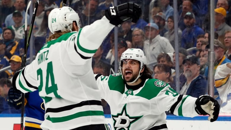Maroon, Blues grab 2-1 series lead over Stars