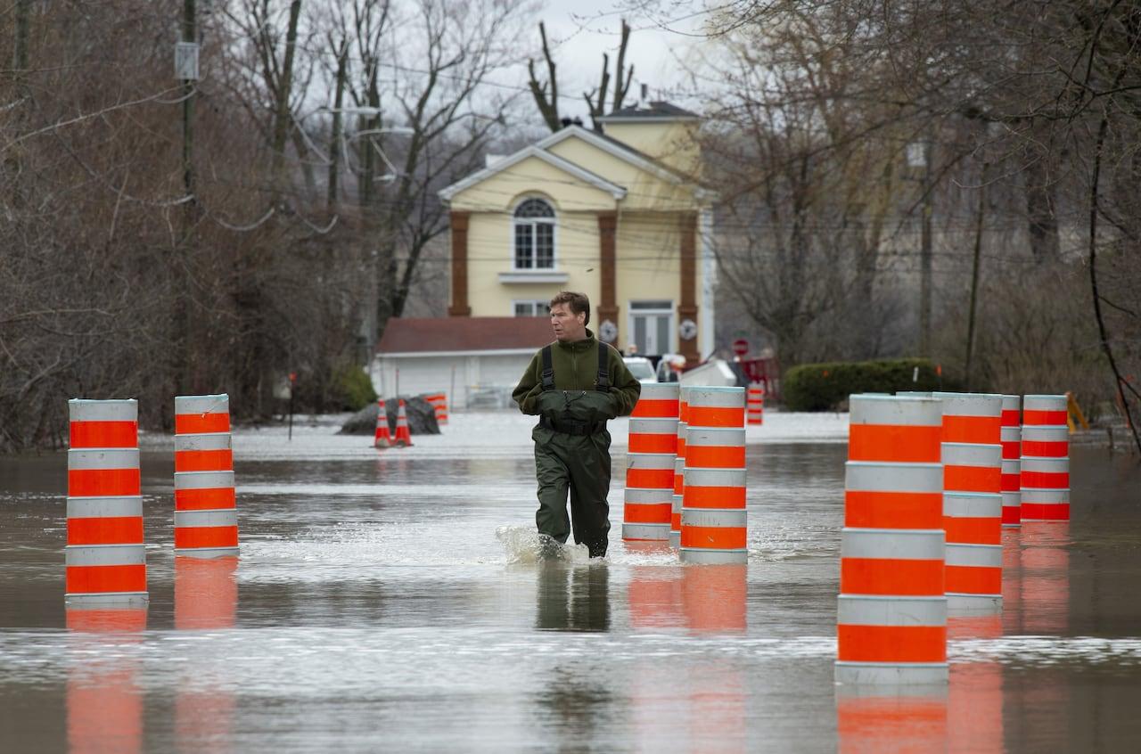 Ottawa River flood levels smash records | CBC News