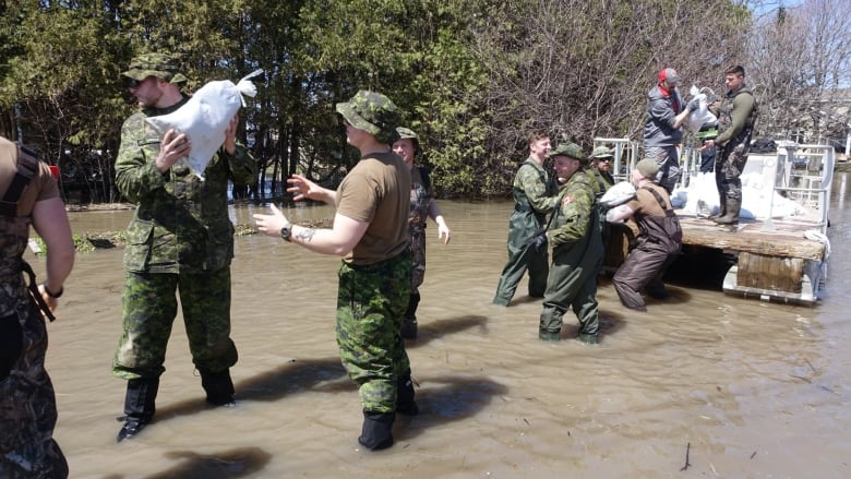 Floods 2019: Communities under a state of emergency | CBC News