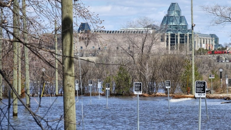 Ottawa River water levels continue to fall